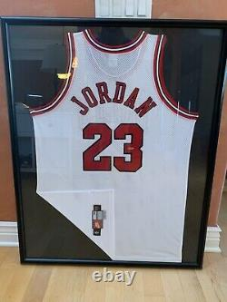 Upper Deck Authenticated Michael Jordan Signed RARE White Jersey